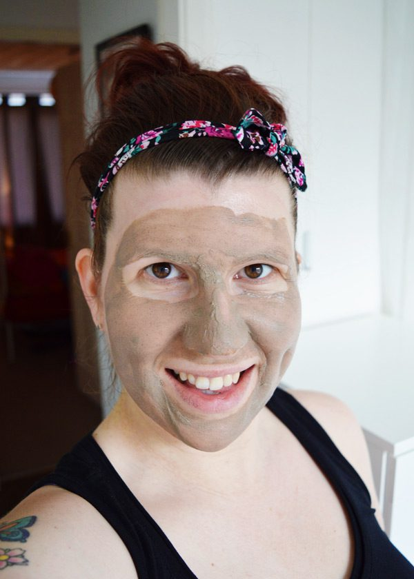 Bentonite clay mask 11