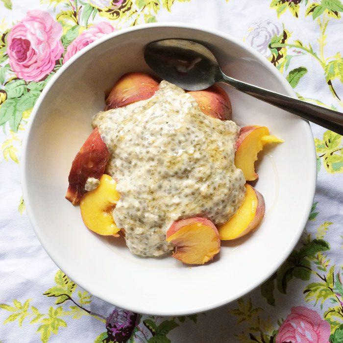 Peaches overnight oats chia