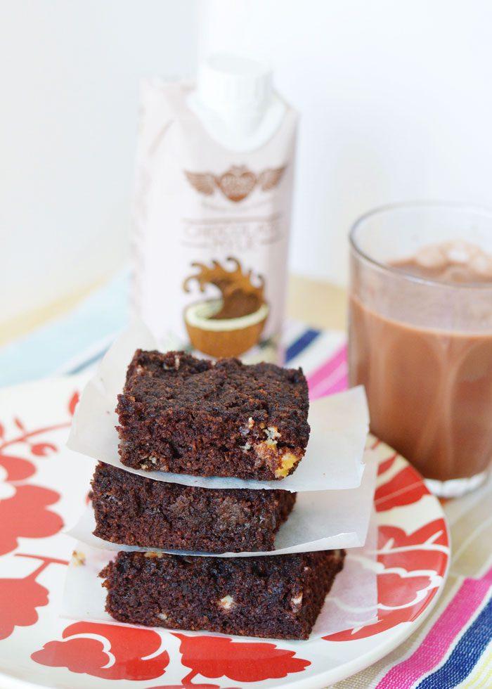 Recipe: Chocolate Chunk Cake bars with Rebel Kitchen Chocolate Milk