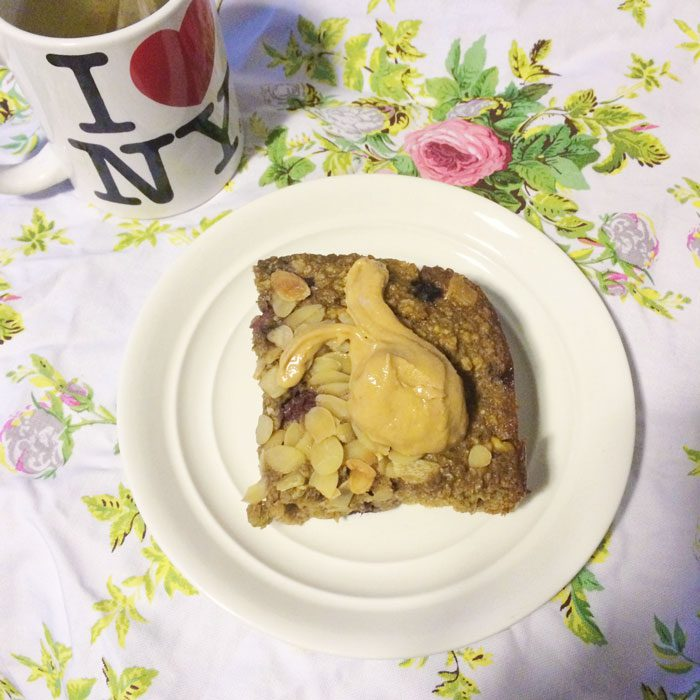 Baked oats and green tea