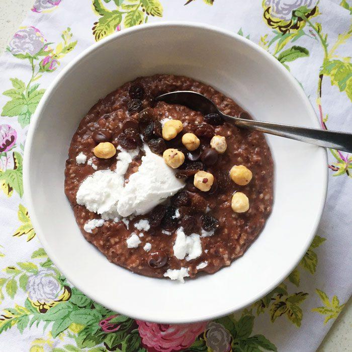 Chocolate oats with coyo