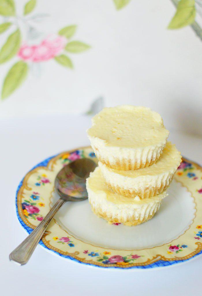 Healthy mini baked cheesecakes 1