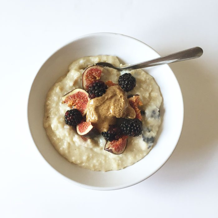 Fig and blackberry porridge