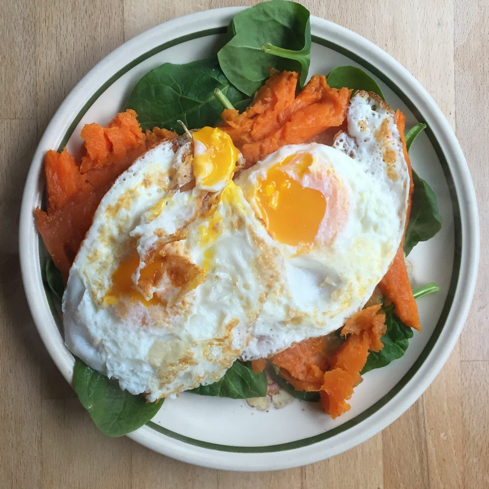 Baked sweet potato with eggs