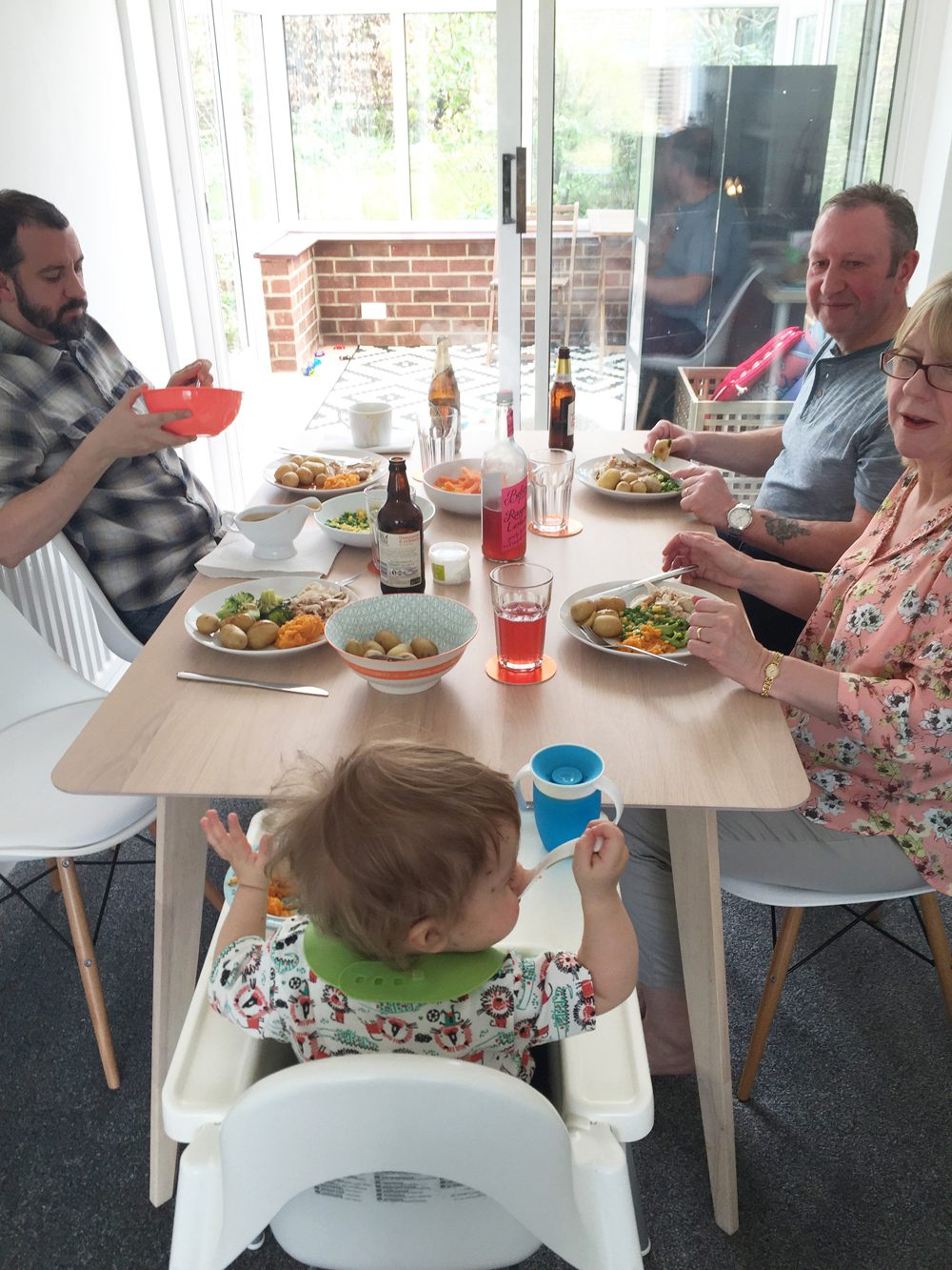 Life improvement dining table