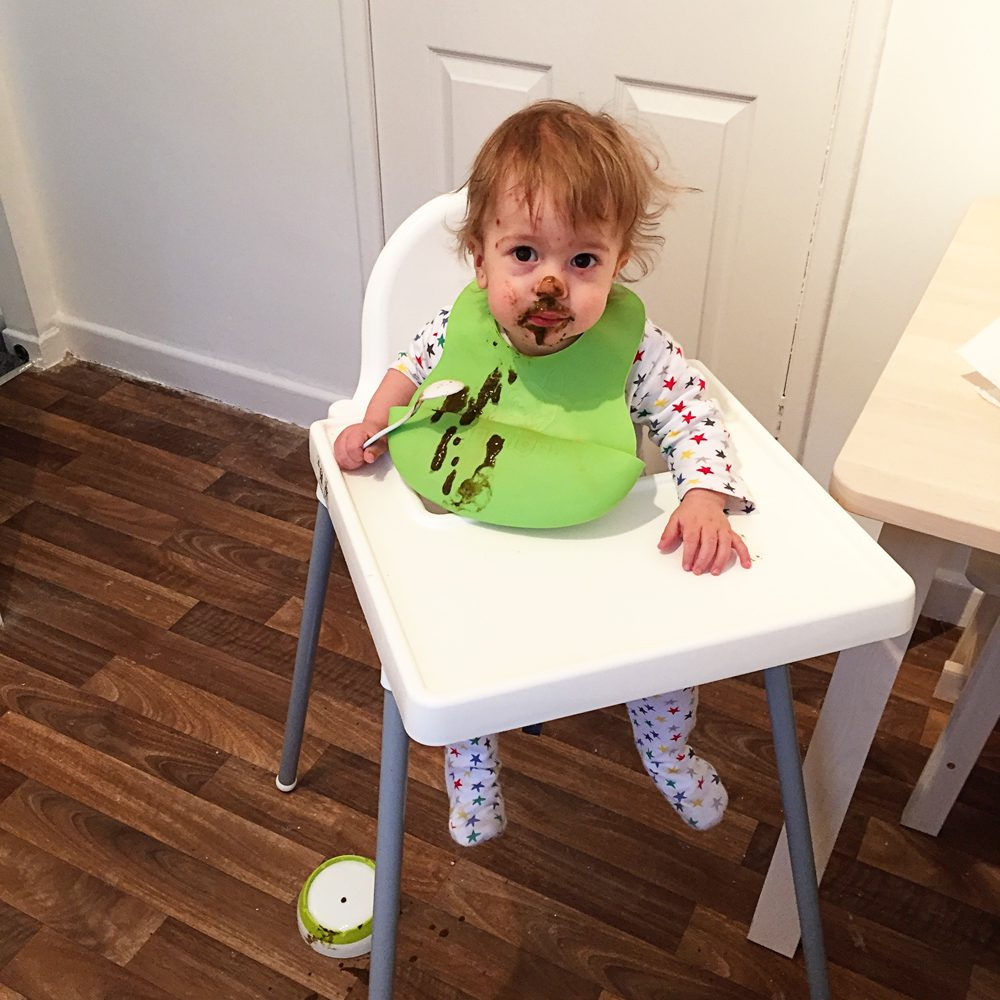 Messy toddler: healthy eating for children